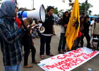 aksi HAM dan anti korupsi Unhas_esa2